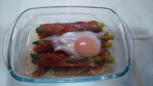 Trigueros con jamón y huevo
